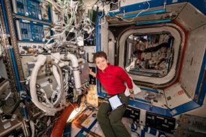 Filtry s aktivním uhlím jsou nezbytnou součástí systémů pro úpravu vzduchu na kosmických lodích i stanicích.