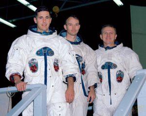 Původní složení posádky třetí pilotované mise Apolla (zleva): Anders, Collins, Borman