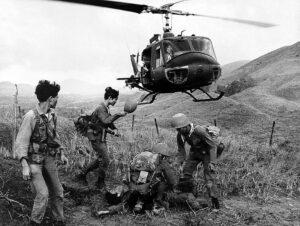 Konflikt ve Vietnamu poznamenal Spojené státy v mnoha oblastech, projekty USAF nevyjímaje...