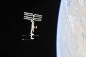 Mezinárodní kosmická stanice vyfocená posádkou lodi Sojuz MS-08, která se 4. října 2018 odpojila od stanice.