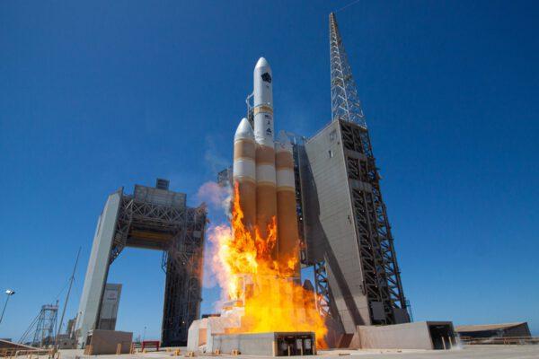 Start Delta IV Heavy