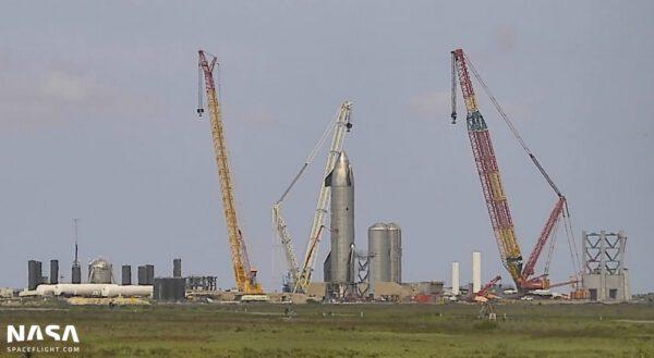 Stavba orbitální rampy a testování Starship SN-15