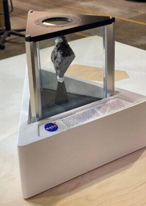 Měsíční kámen z mise Apollo 17