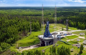 Sojuz 2.1b na rampě kosmodromu Pleseck