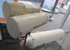 Podivná maketa MOLu s připojeným teleskopem