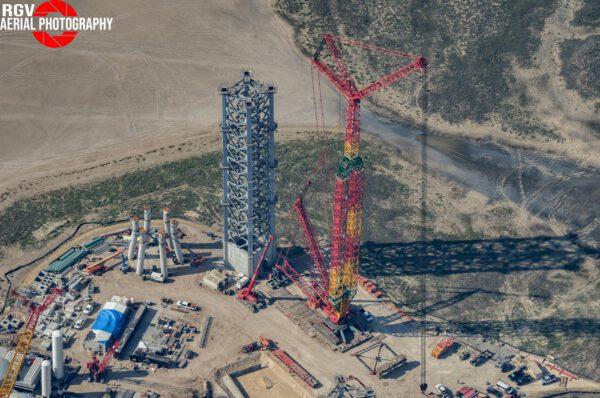 Stav věže orbitální rampy z 16. června