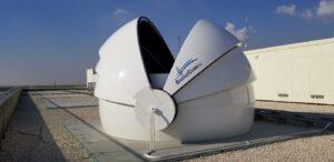 Terminál společnosti BridgeComm pro příjem laserové komunikace