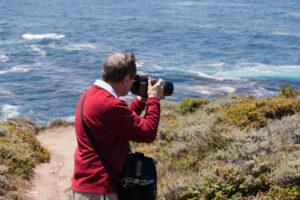 Douglas při fotografování v oblasti Big Sur v Kalifornii