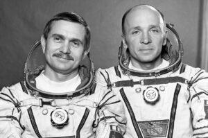 Berezovoj (vlevo) a Lebeděv