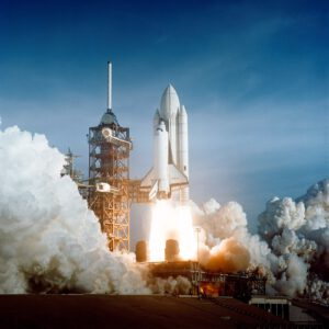 Mise STS-1 startuje...
