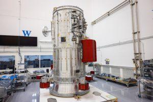 Jádro sondy Europa Clipper - její pohonný modul vyfocený v první polovině července 2021