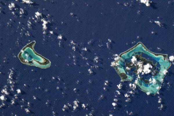 Zde další dva ostrůvky Francouzské Polynésie – Tupai a Bora Bora. Zdroj: Flickr.com