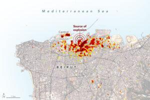 Mapa vytvořená vědeckými týmy. Tmavě červené pixely představují nejzávažnější poškození, zatímco oranžové a žluté oblasti jsou středně nebo jen částečně poškozené. Každý barevný pixel představuje plochu 30 x 30 metrů.