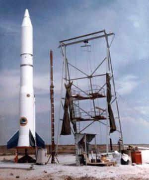 Kdo si dnes ještě vzpomene, že první soukromou raketou, která dosáhla kosmického prostoru, byla 9. září 1982 Conestoga společnosti Space Services Inc.?