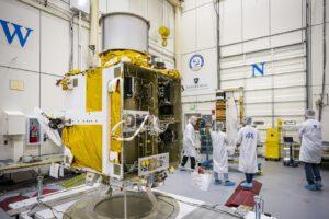 Sonda DART ještě bez solárních panelů