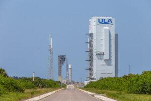 První stupeň rakety Vulcan na rampě