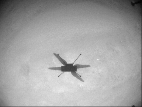 Navigační snímek Ingenuity během třináctého letu