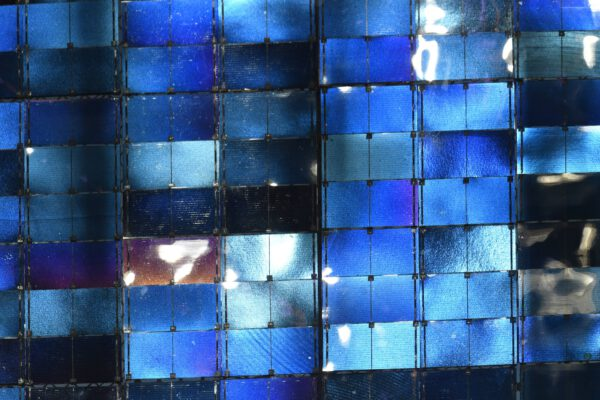 Detail fotovoltaického panelu. Ano i takhle vypadá vesmírná stanice v detailu. Toto je opravdu unikátní snímek. Zdroj: flickr.com