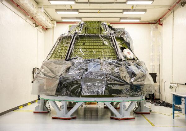 Kabina Orionu pro Artemis II v budově O&C, 15. července 2021