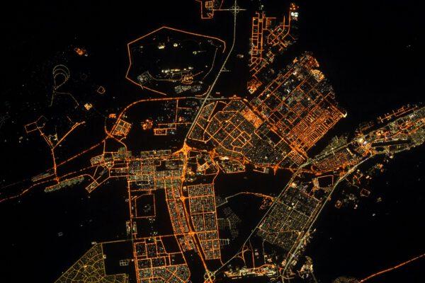 Abú Zabí je hlavní město Spojených arabských emirátů a druhé nejlidnatější město tohoto státu po Dubaji. Zdroj: flickr.com