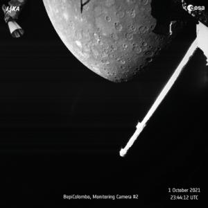 Snímek Merkuru z průletu sondou Bepi-Colombo