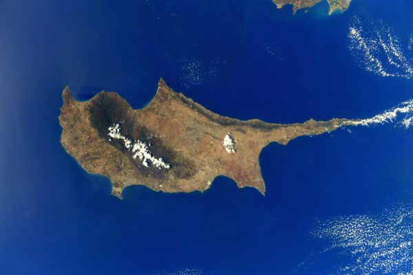 Neméně dobře rozpoznatelným ostrovem ze Středomoří je Kypr. Část ostrova patří Řecku. Zdroj: flickr.com