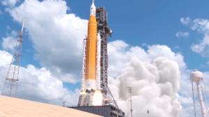 Umělecký koncept startu mise Artemis I