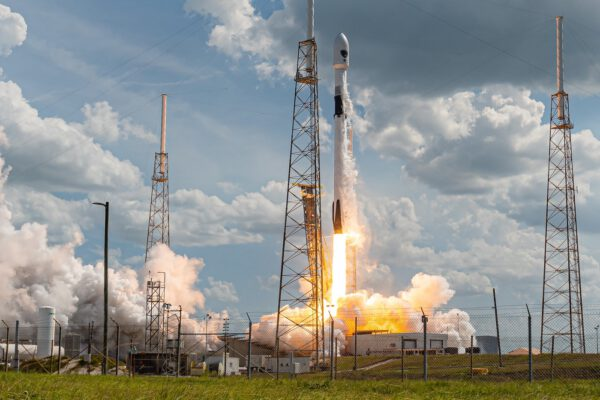 Start Falconu 9 s družicí GPSIII