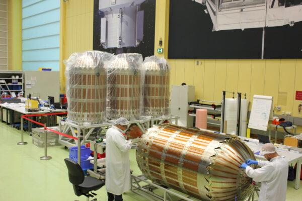 Palivové nádrže pro ESM-2